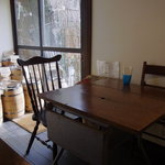 珈琲焙煎屋 ビーンズ香房 Cafe Tasse - テーブル