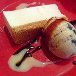 フランコベルゴ - レアチーズケーキとチョコチップアイス