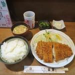 とんかつ三田 - 料理写真:ロースかつ定食