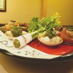 祇園 末友 - 料理写真:八寸 と上巳の祝い札