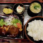 49436701 - ハンバーグ定食(2016年4月)