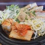 焼三昧 陸海空 - 料理写真:サムギョプサル