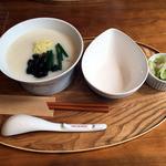 カユ デ ロワ 亀沢店 - ピータンのお粥