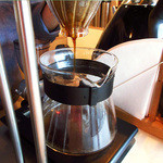 ドングリー コーヒースタンドと暮らしの道具店 - 丁寧にドリップしてくれます(2016.4月)