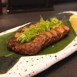 地酒と料理 高田馬場研究所 - 牛ハラミ網焼き