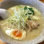 華みち - (再訪 2016.3.) 特製鶏そば 880円。