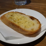 イタリアンキッチン 伊太めし屋 - ガーリックトースト