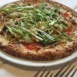 49458818 - ピッツア ヴェルデユーレは春キャベツなどの野菜のピッツア。