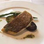 49458948 - 魚料理は黒鯛のグリル