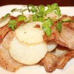 豚匠 - 【豚肉と山芋のスパイシー炒め】