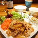 にじいろカフェ - 夜・生姜焼き定食