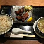 福島西屋 - 極熟成厚切り牛タン定食