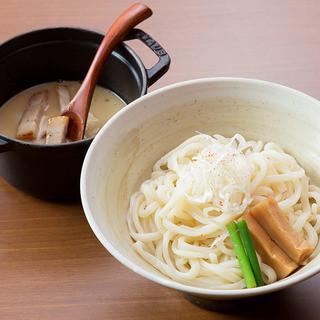 [シンプルな材料で最良の麺を]
