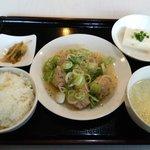 中華料理 虎福 - こちらが【ネギ塩つくね定食:850円】