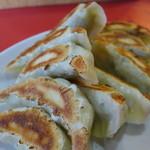 玉龍 - 餃子(10個450円)