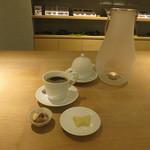 サマーバード オーガニック - ホワイトサマーバード シングル、アーモンド&ドリップコーヒー