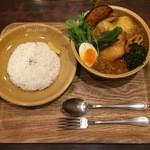マハナ - 煮込みチキンスープカレーオリジナルスープ辛さ9番、1000円です。