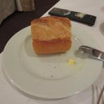 エタンセール カワモト - 二つめのパン