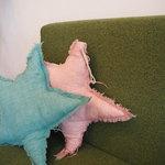 ユンタン カフェ - 可愛いクッションとソファー席