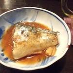 おばこ - 今日のお通しは鯖の味噌煮。かなり美味しいです。