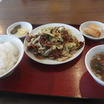 中国料理 季津 - ランチ:回鍋肉 春巻き付き
