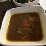 ナチュラ - カレーはさらさら。スープ状