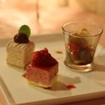 ラトゥール - デザート:あんみつ、イチゴのケーキ、栗のケーキ 普通においしいです