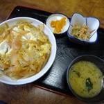 とんかつ太郎 - カツ丼600円