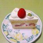 パティスリー シトロン - 苺のショートケーキ