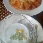 チャッタイ ガーデンハウス - グリーン&レッドカレーランチセットのタピオカココナッツクリーム。揚げ餃子もついてます。