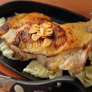脂肪が少なく、身が締まった阿波尾鶏