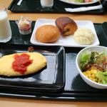 49502097 - ニニヌプリにて朝食