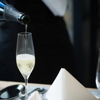 イタリアワインを中心に多数ワインをそろえております