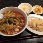 香港厨房 - ランパスで、五目そば+炒飯800円→500円