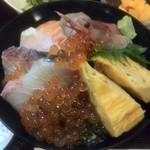 海鮮 たくみ - 料理写真:海鮮丼~(*^ー^)ノ♪