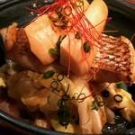 酒菜・からく - 桜鯛と春キャベツの蒸し焼き 980円