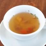 燻製ダイニング OJIJI - スープ