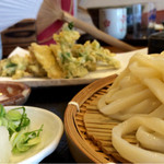 49510943 - 春野菜の天ぷらざるうどん