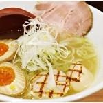 旨美麺 築一 - 帆立塩ラーメン贅沢帆立焼付 1100円 具は美味しい。でもスープにもうひと押しパンチが欲しい。