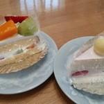 石田屋 - フルーツケーキ、苺クリームケーキ