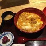 Hokkoriya - 160407東京 ほっこりや 炭焼鶏の親子丼850円
