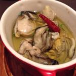 Osteria CASA MIA - 牡蠣のアヒージョ