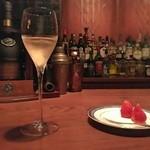 バー エルラギート - お祝いの「シャンパーニュ」 2016年2月