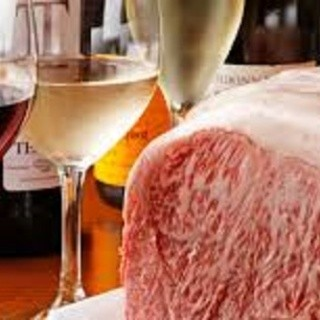 お肉に合うワインを、豊富にご用意!
