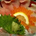 い川 - 海鮮丼