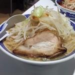山岸一雄製麺所 - 角ふじ麺(ヤサイマシ)