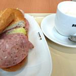 ドトールコーヒーショップ - 料理写真:ミラノサンドA・カフェラテS 2016.4