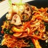 季節のオーガニック野菜のピリ辛アラビアータスパゲッティ