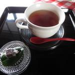 ギャラリーアンドカフェ 草画房 - 紅茶 500円 (2016.3)