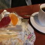 茶緒 - フルーツケーキセット 700円